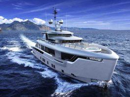 Dynamiq G330 iate explorer - boat shopping 2