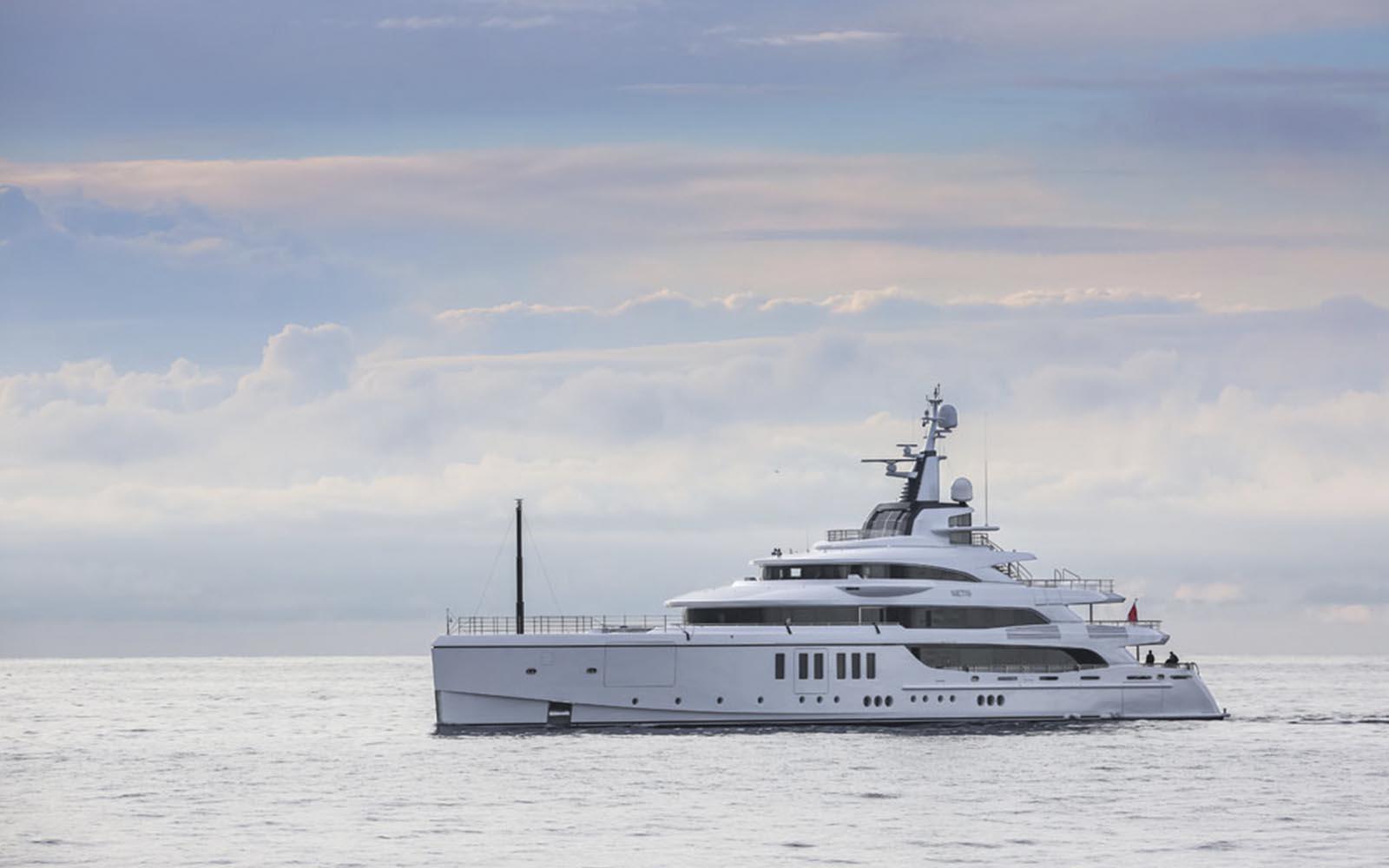 benetti yachts metis - boat shopping