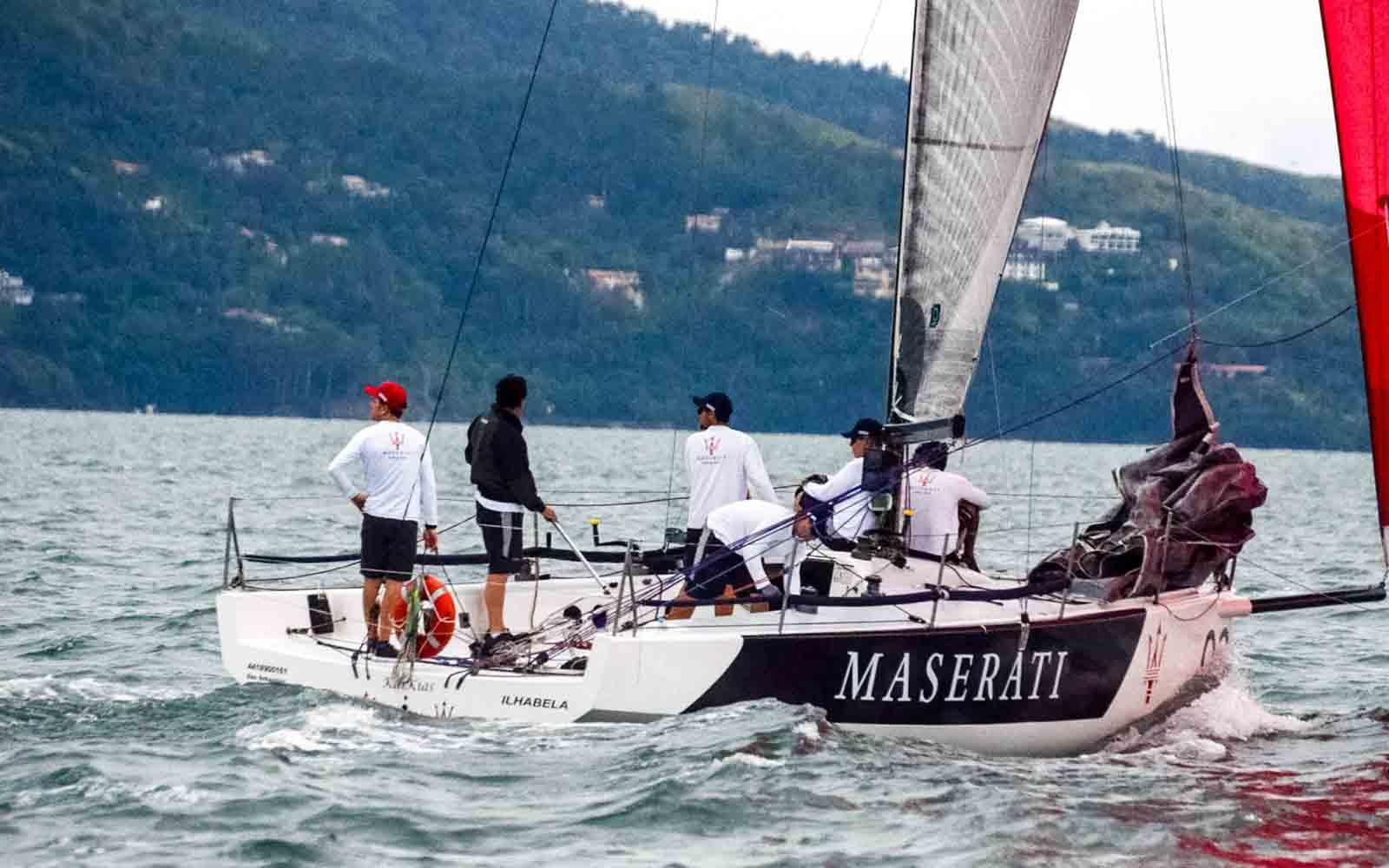 katana regata ilhabela - boat shopping