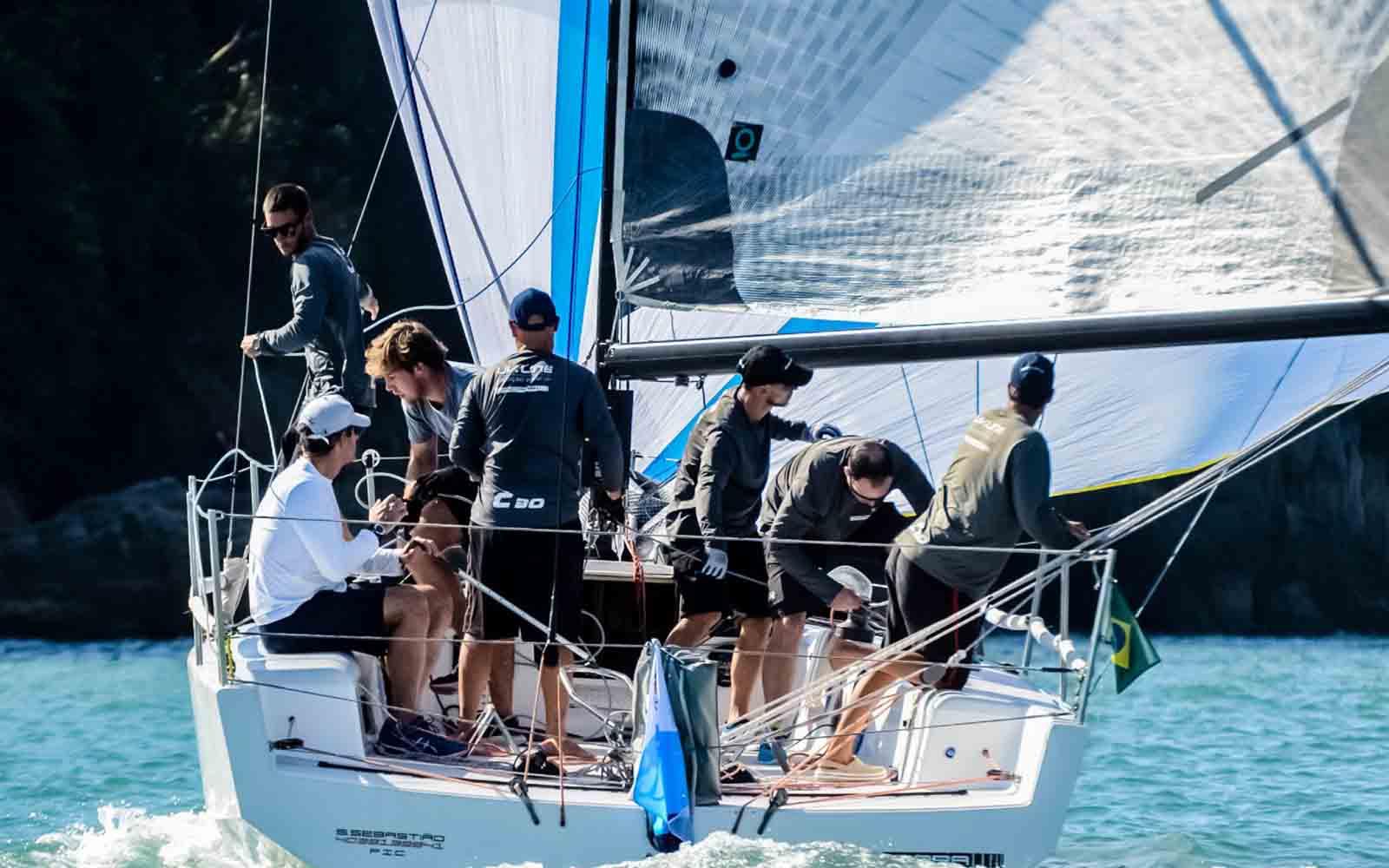 Caiçara (Aline Bassi Balaio de Ideias) - boat shopping