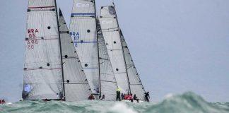 Classe c30 Flotilha encoberta pelas ondas (Aline Bassi Balaio de Ideias) - boat shopping