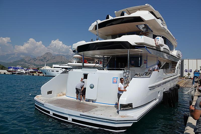 iate do jogador tony parker da nba kando 110 ava yachts - boat shopping