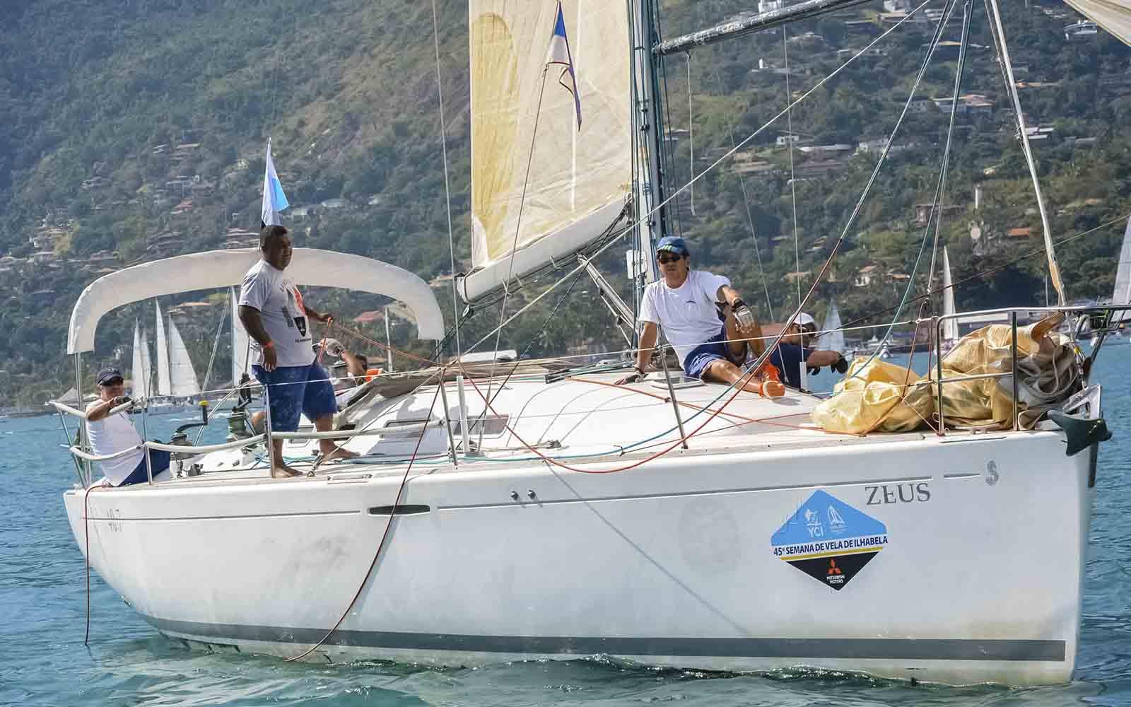 zeus Semana Internacional de Vela de Ilhabela - boat shopping