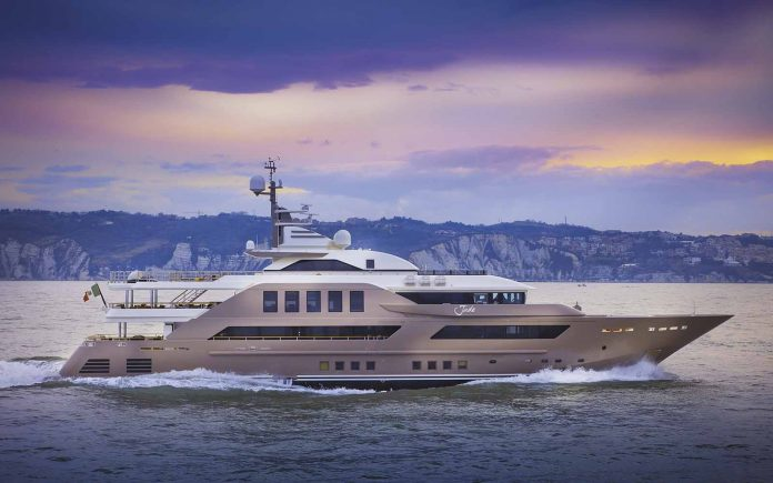 superiate J'ade crn yacht - boat shopping