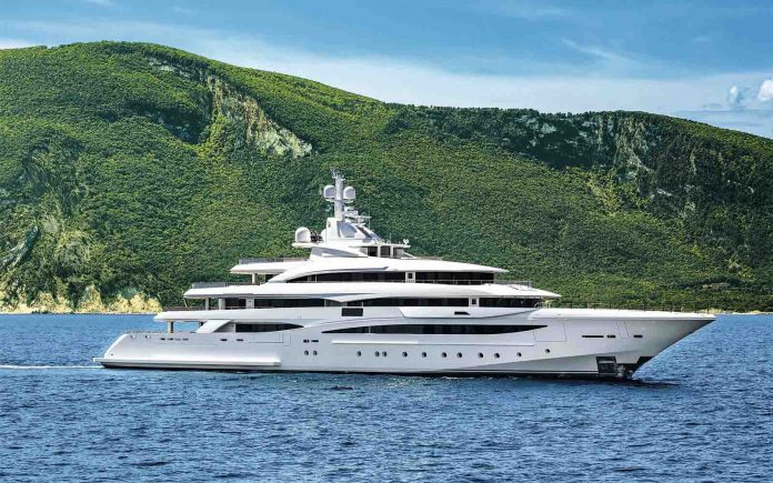 79m CRN MY 135 - boat shopping