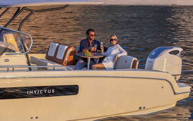 Invictus CX270 - boat shopping
