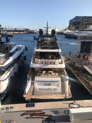 ferretti group cannes yachting festival 2019 - boat shopping