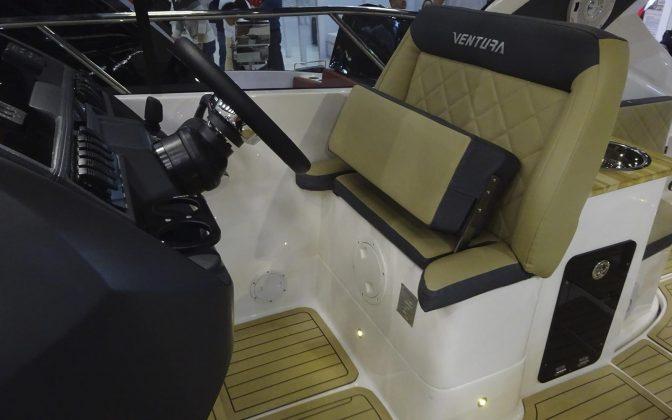 ventura v390 ht - boat shopping