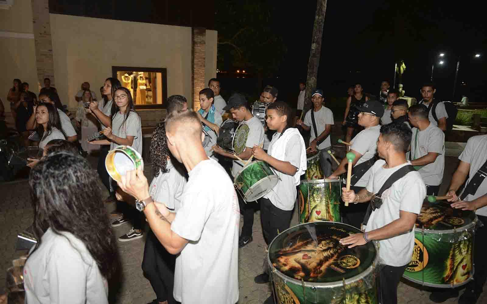 Escola de samba (Ronald Kraag) Mundial de Snipe 2019 - boat shopping