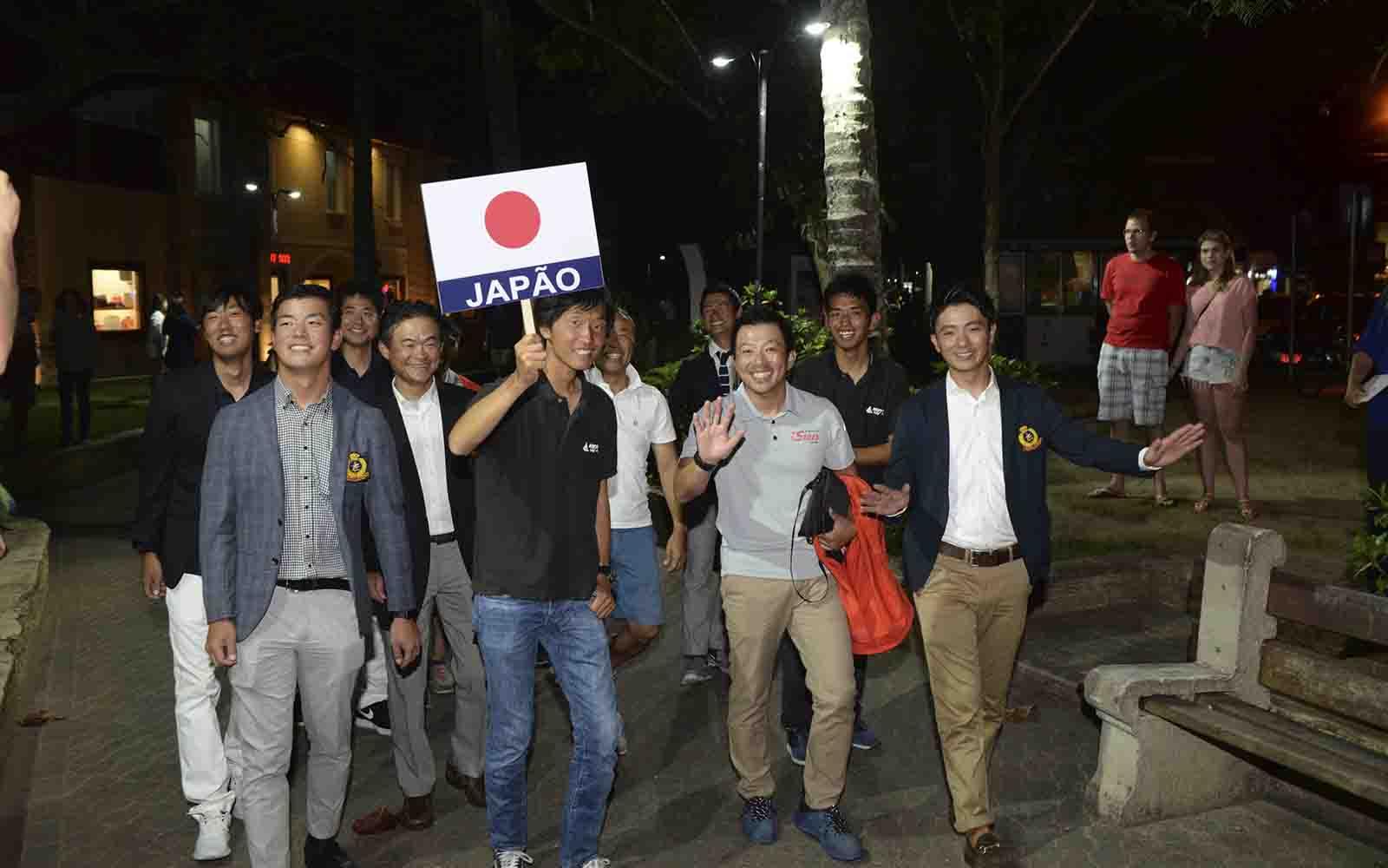 Japoneses (Ronald Kraag) Mundial de Snipe 2019 - boat shopping