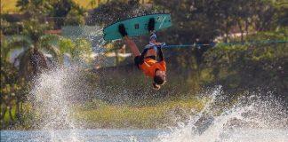 Mariana Nep wakeboard - boat shopping