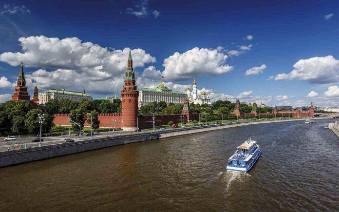Volta ao mundo de trem destino - boat shopping