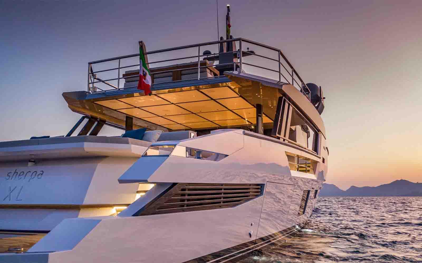 Arcadia Sherpa XL - boat shopping