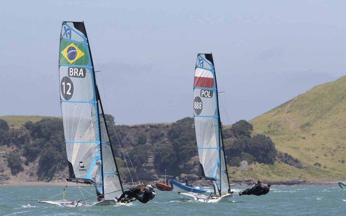 Martine Grael e Kahena Kunze Mundial de 49erFX - boat shopping