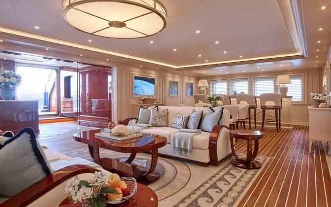 Superiate TIS Lurssen - boat shopping