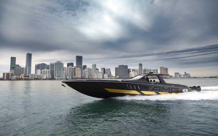 Cigarette Racing e Mercedes-AMG - boat shopping