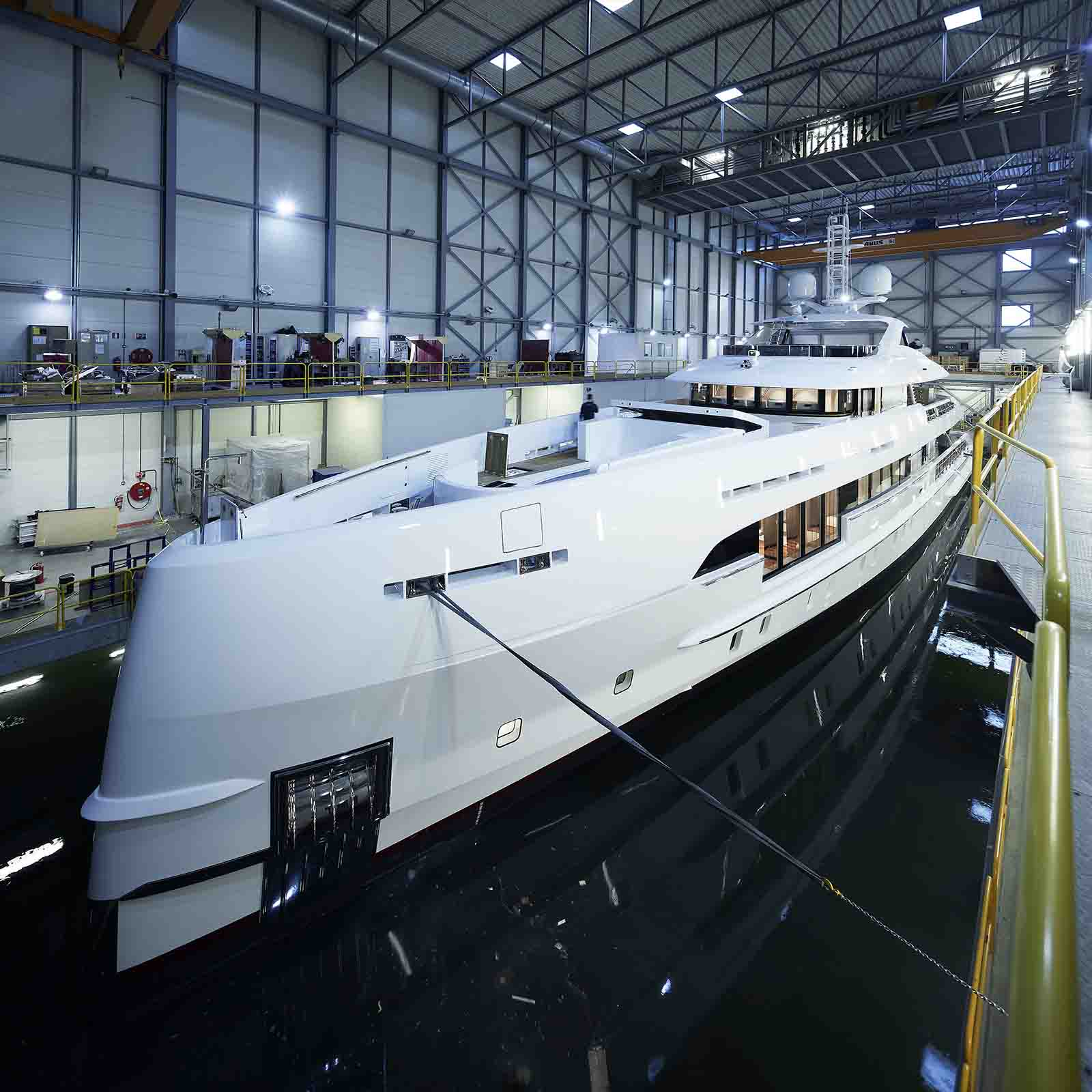 Heesen superiate híbrido - boat shopping