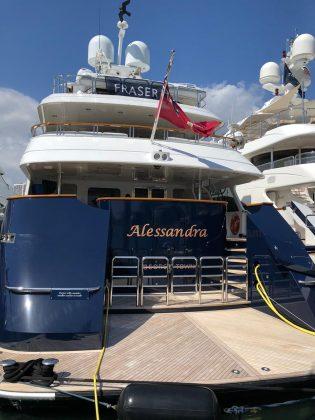 Miami Yacht Show - boat shopping