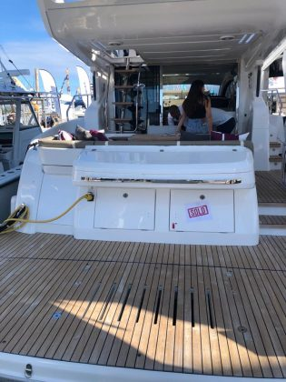 Schaefer Yachts Miami Yacht Show 2020 - boat shopping