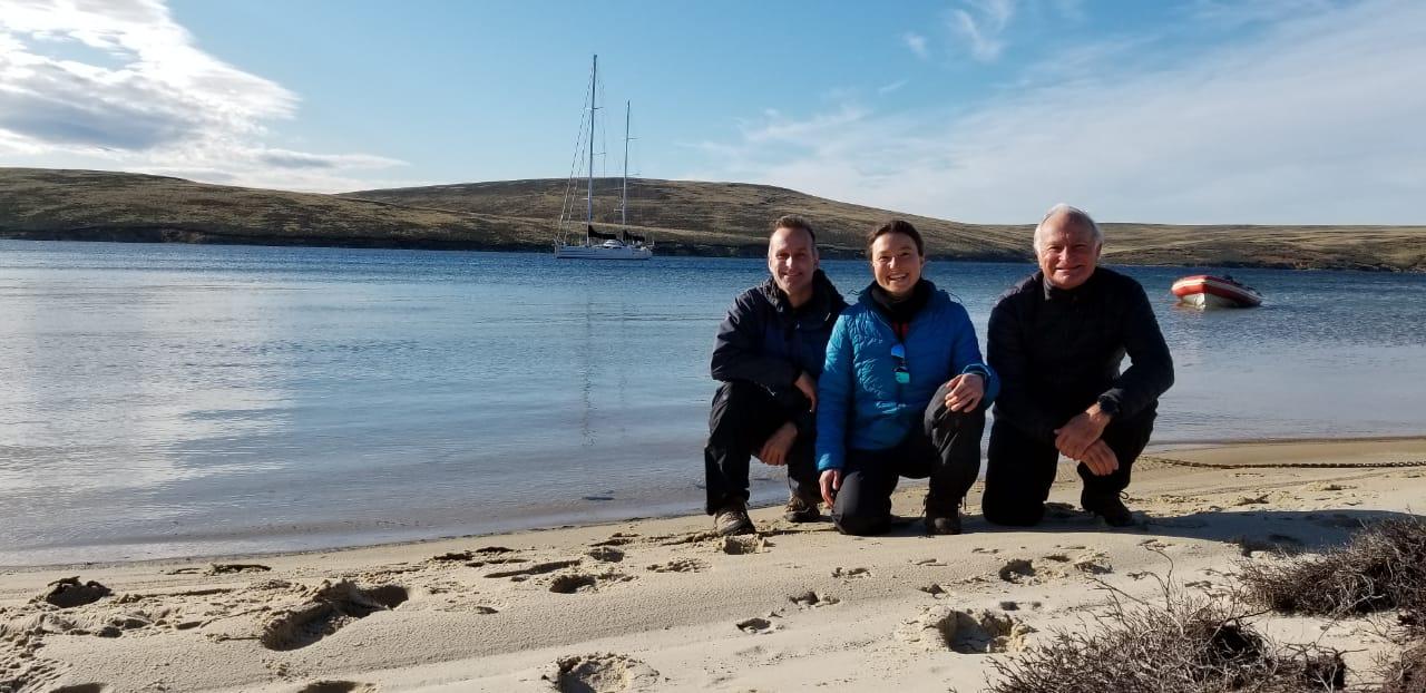 Isolamento a bordo - Wilhelm Erika e Vilfredo em West Falkland