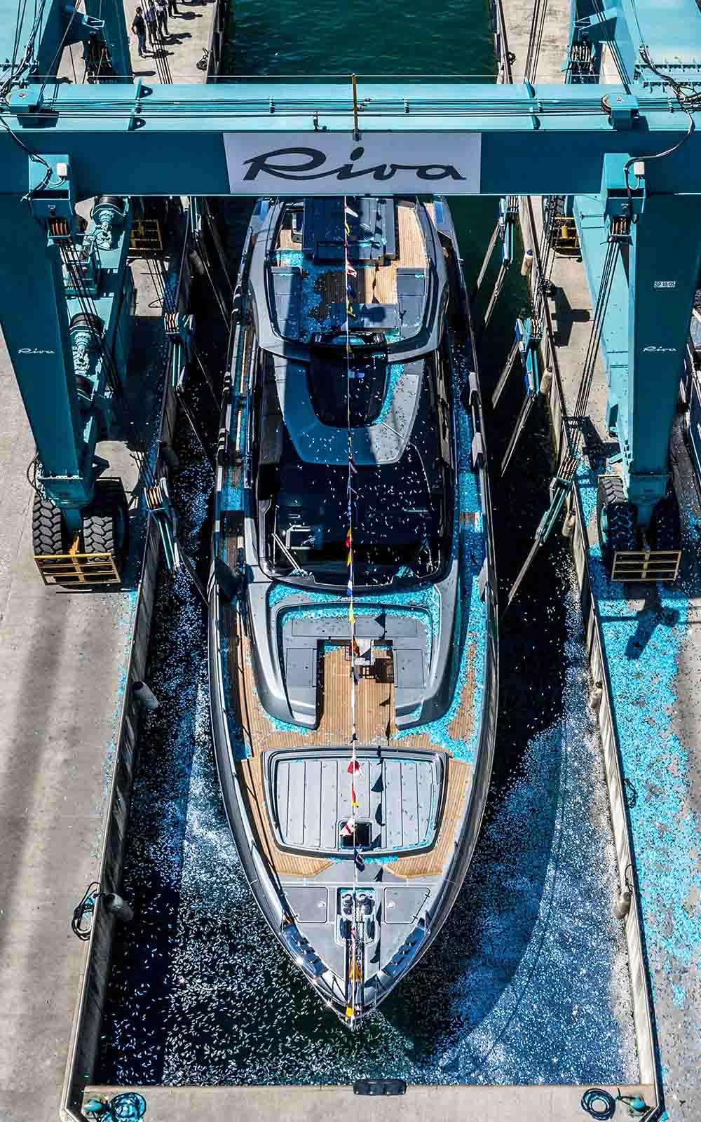 Riva 88 Folgore - boat shopping