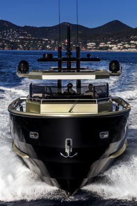 Sherpa Black Tie - boat shopping