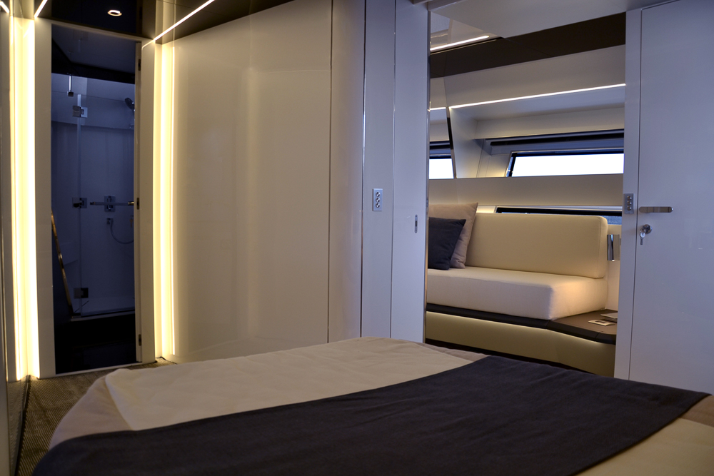 Sherpa Owner's suit yacht - boat shopping
