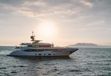 Superiate Ink Benetti Diamond 145 - boat shopping