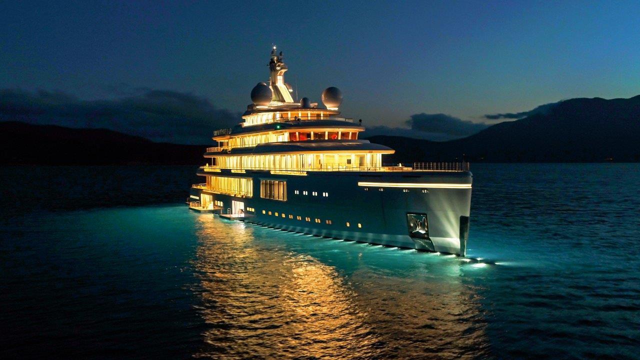 Superiate Luminosity Benetti - boat shopping