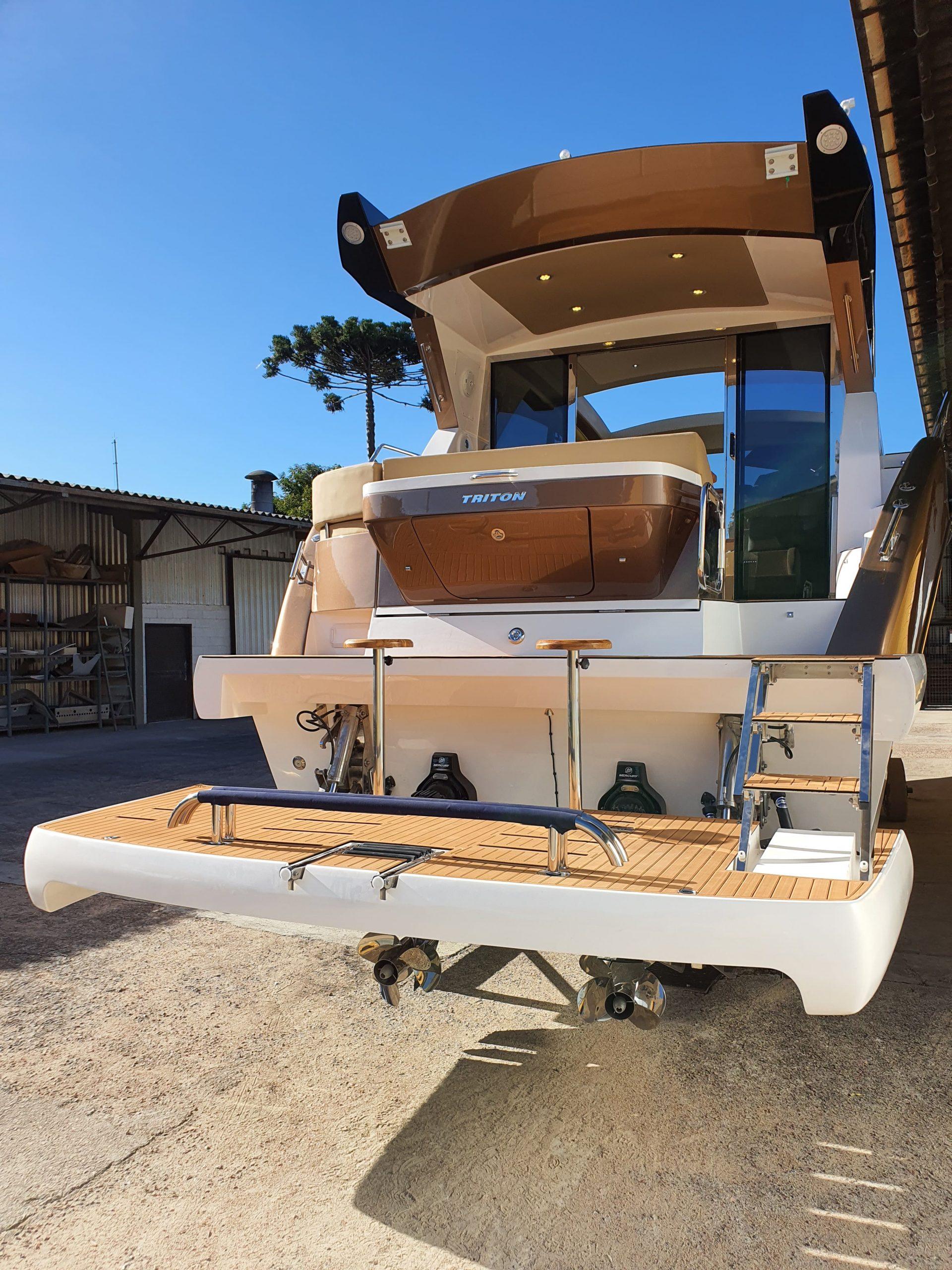 Triton 470 HT - Foto Divulgação Triton Yachts (19) - boat shopping