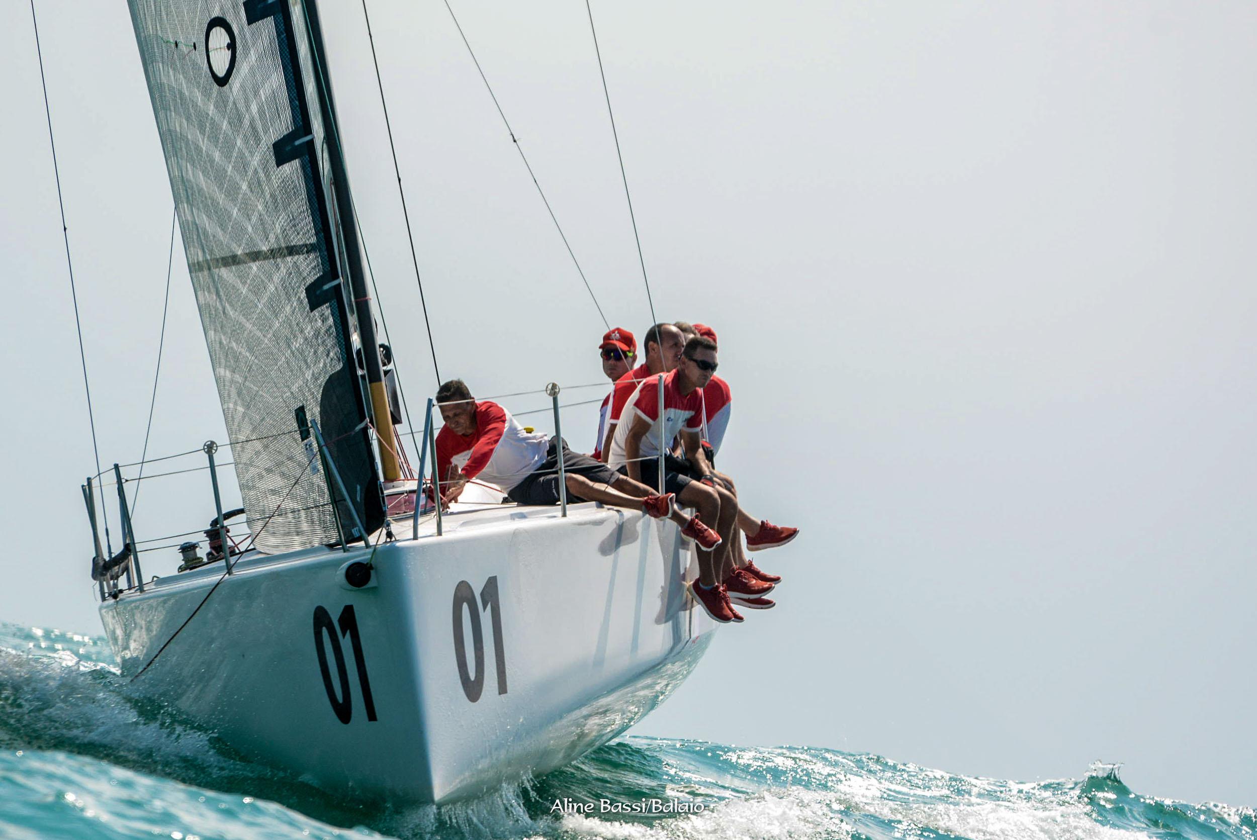 Classe C30 Caballo Loco (Aline Bassi Balaio de Ideias) - boat shopping