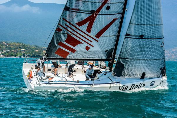 Kaikias Via Itália (Aline Bassi Balaio de Ideias) - boat shopping