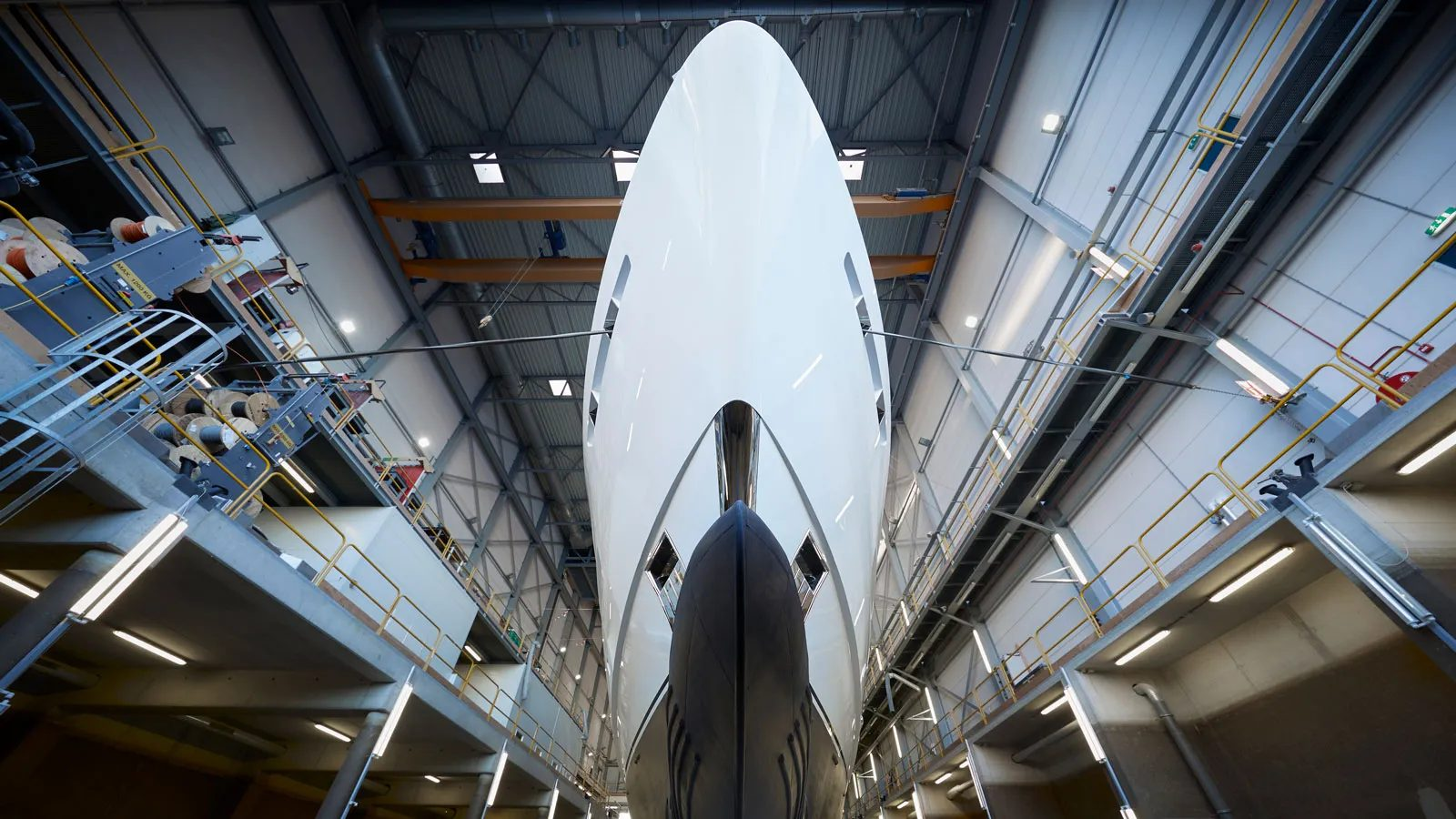 Superiate Heesen Pollux - boat shopping