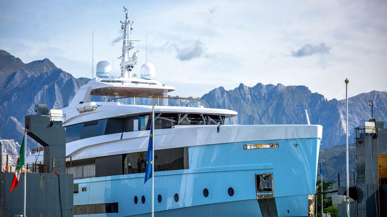 ADMIRAL YACHT CROCUS Superiate - boat shopping