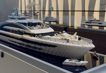 Heesen superiate cosmo em lego - boat shopping