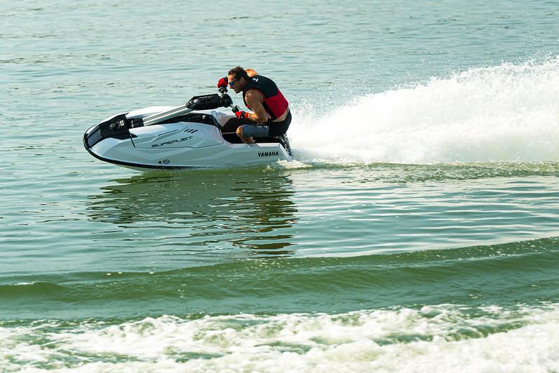 SuperJet Yamaha WaveRunner 2021 - boat shopping