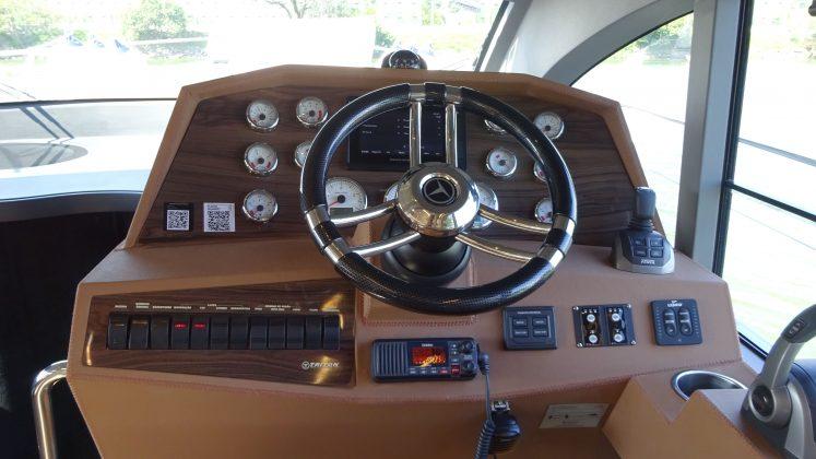 Triton 470 Fly - boat shopping