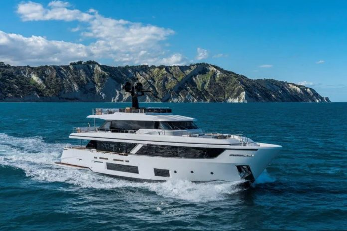 Custom Line Navetta 30 - boat shopping