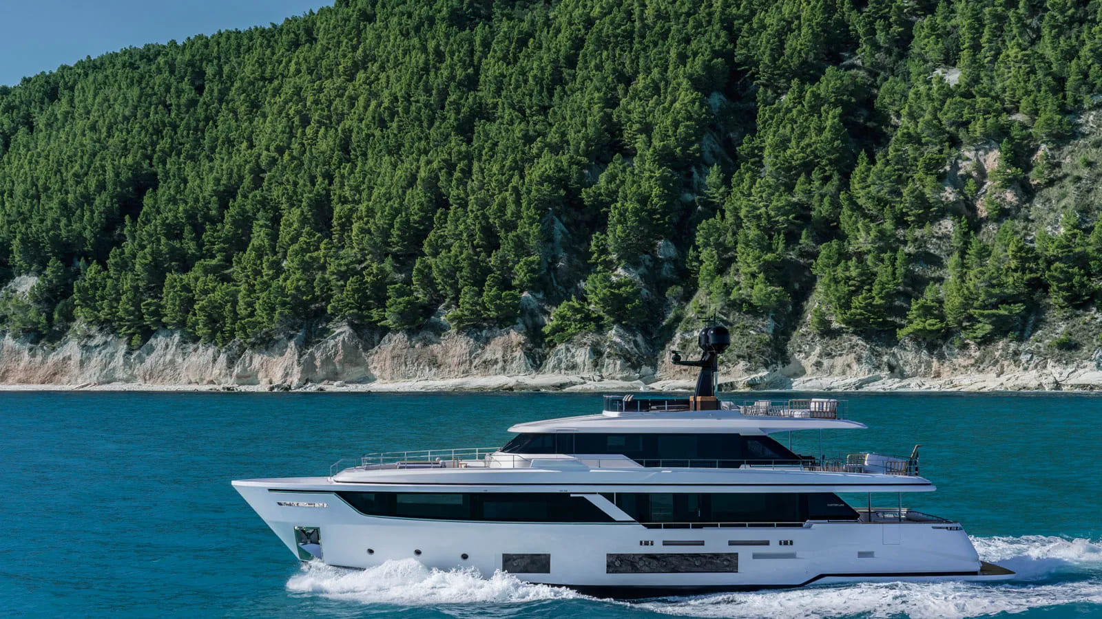 Custom Line Navetta - boat shopping