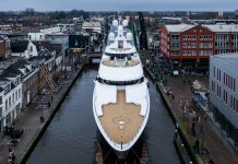 Feadship superiate boardwalk - boat shopping