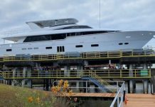 Hatteras 105 Raised Pilothouse yacht - boat shopping