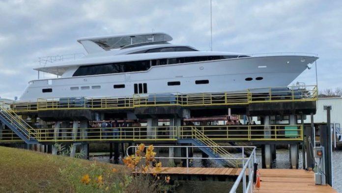 Hatteras 105 Raised Pilothouse yacht - boat shopping