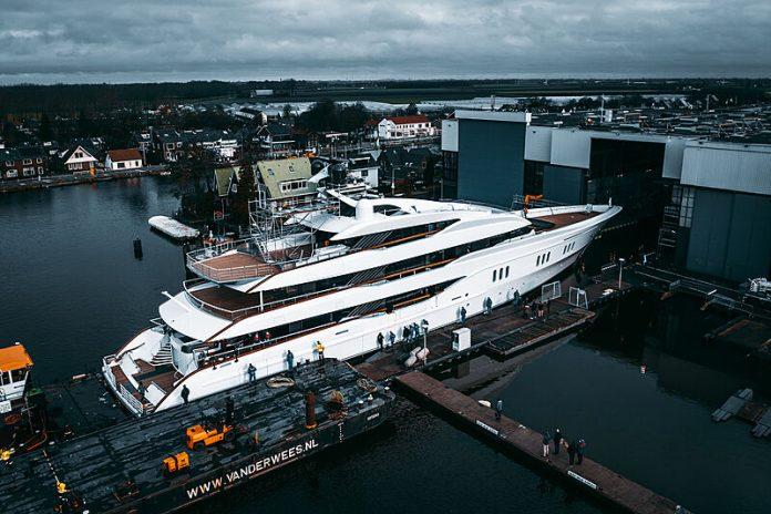 Superiate Galina Feadship syt - boat shopping