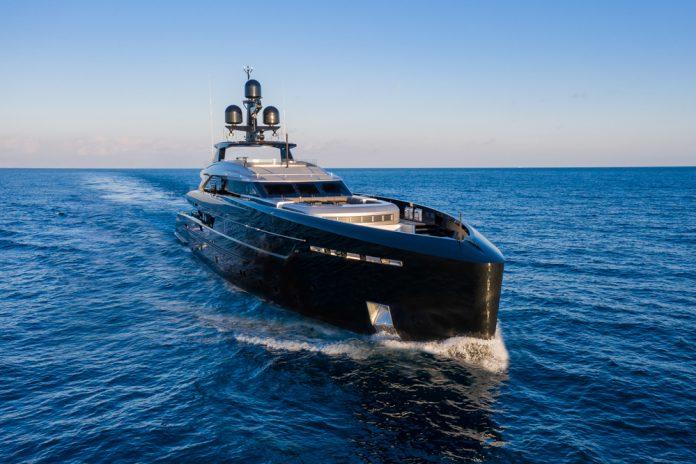Tankoa superiate Olokun - boat shopping