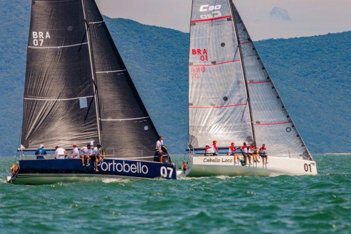 Caballo Loco à frente do Katana Portobello (Daniel Mafra : Veleiros da Ilha) - boat shopping