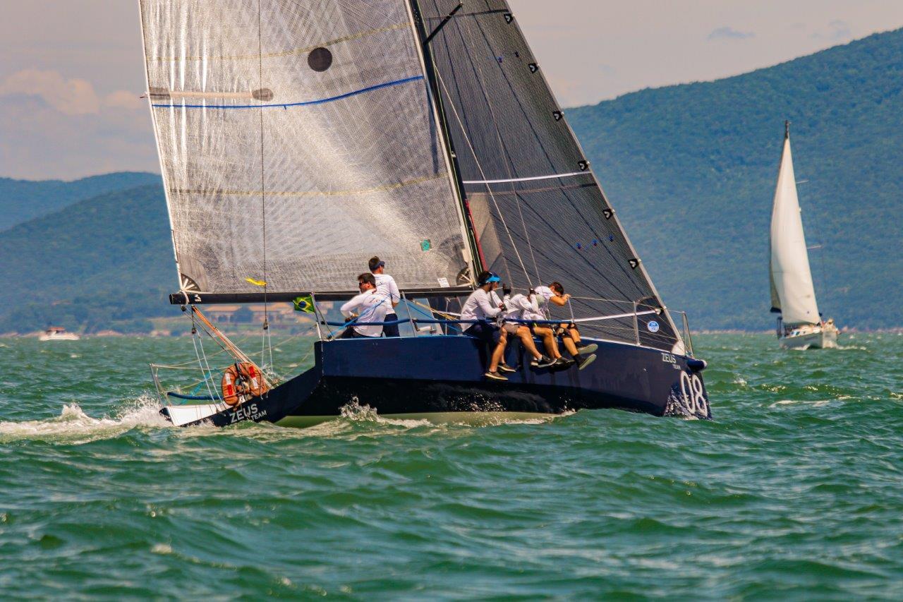 Zeus Team (Daniel Mafra : Veleiros da Ilha) - boat shopping