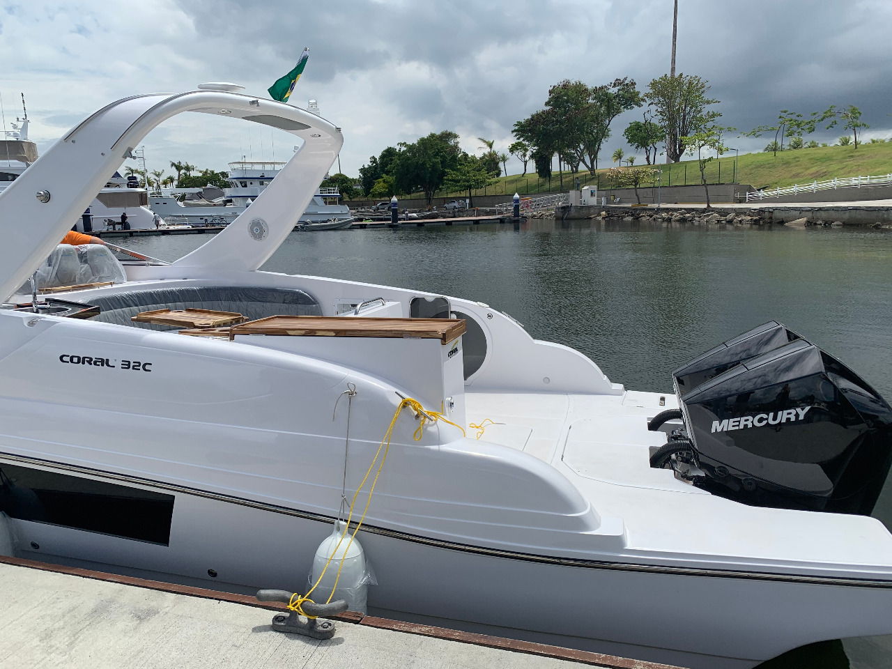 Coral 32C lancha motor de popa - boat shopping