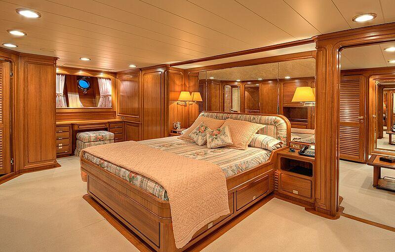 super veleiro morning glory - boat shopping