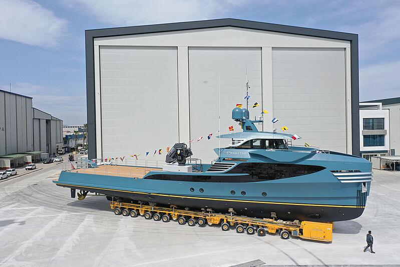 Alia Yachts iate de suporte Phi Phantom - boat shopping