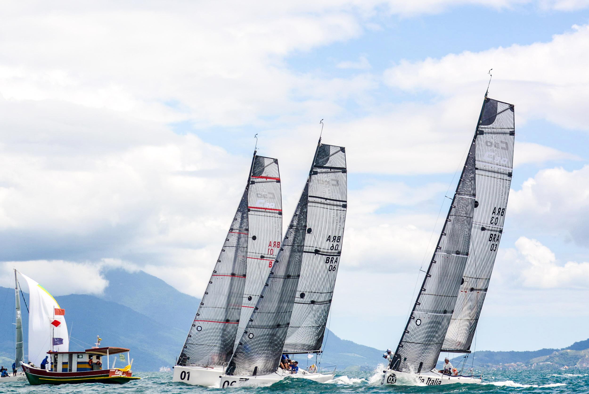 Largada Classe C30 Crédito Aline Bassi:Balaio - boat shopping